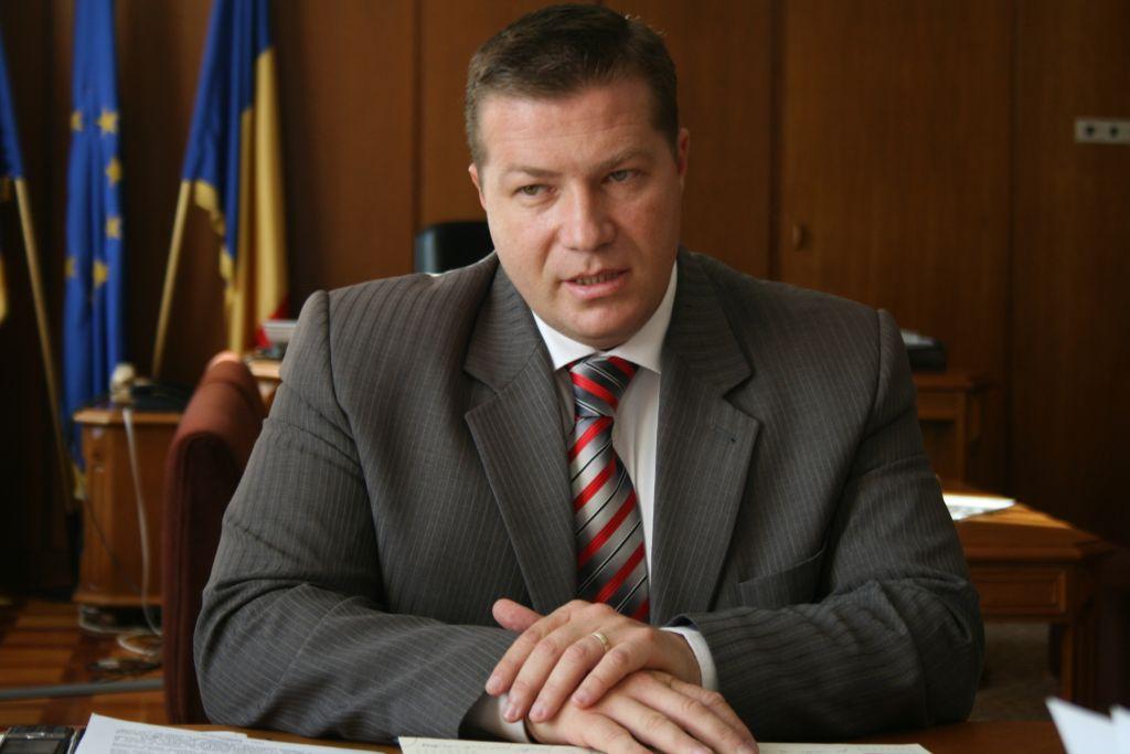 Prefectul județului Harghita, Jean-Adrian Andrei, îmi făcuse rost de un dosar penal pe numele meu.