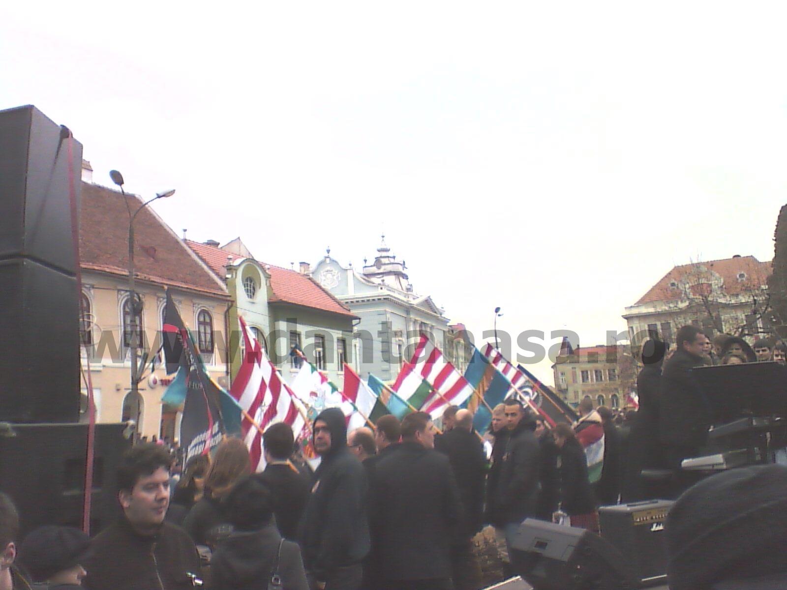 15 martie 2013 Targu Secuiesc drapelul arpadian HVIM