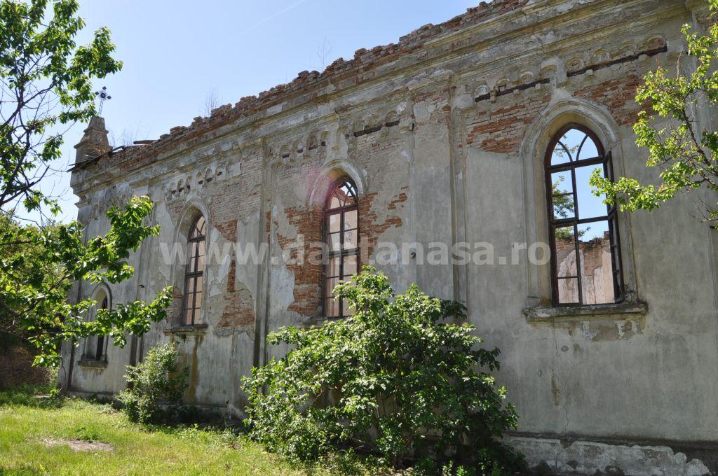 Biserica germana Malcoci Tulcea lateral stanga