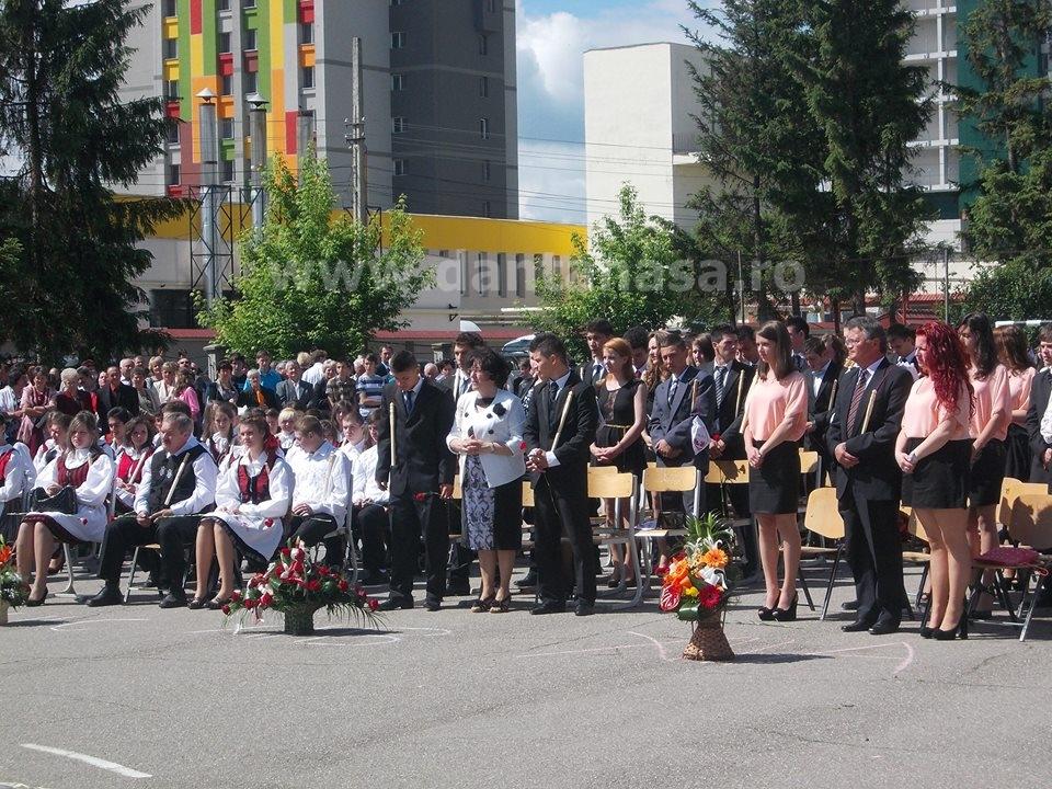 Ceremonie sfarsit de an Liceul Korosi Csoma Sandor Covasna slujba ortodoxa