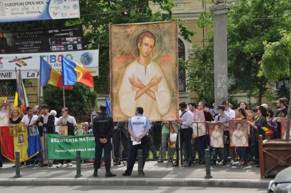 In-apararea-lui-Valeriu-Gafencu-la-Bucuresti-2-30-Mai-2013