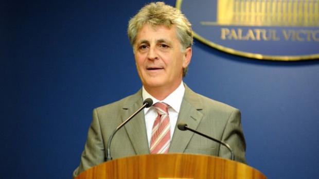 În cazul steagului secuiesc arborat pe clădiri publice legea nu este aplicată în județul actualului ministru al Apărării, Mirce Dușa