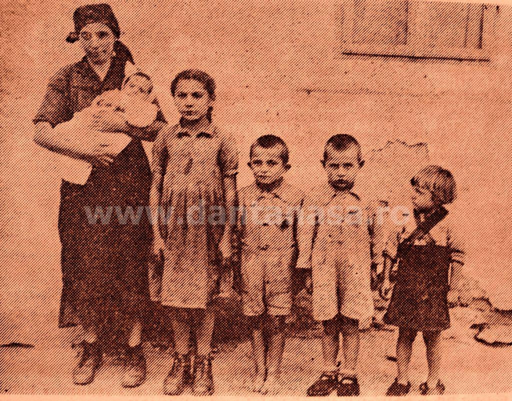 Septembrie 1940. O mamă româncă și copiii ei din Transilvania ocupată, epulzați fără milă de la vatra lor .