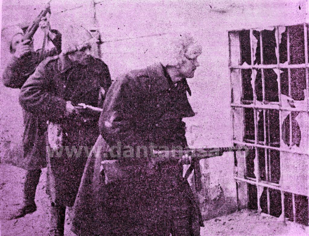 Ianuarie 1945. Soldați români în Budapesta, eliminând cuiburile de honvezi