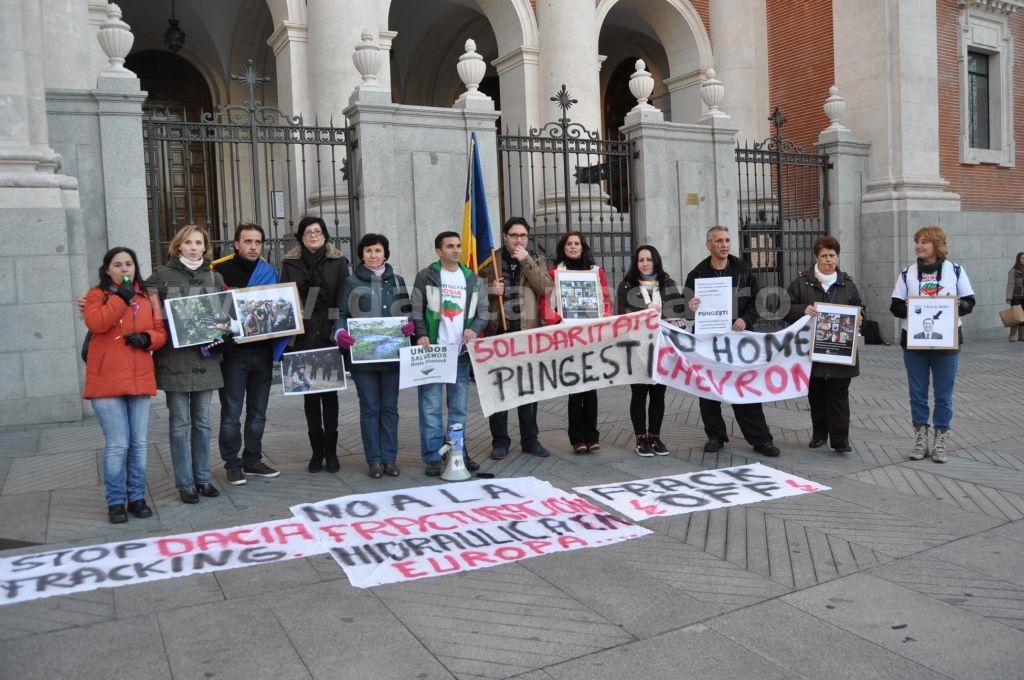 Protest Ambasada SUA Madrid solidaritate Pungesti go home Chevron 29 decembrie 2013 13