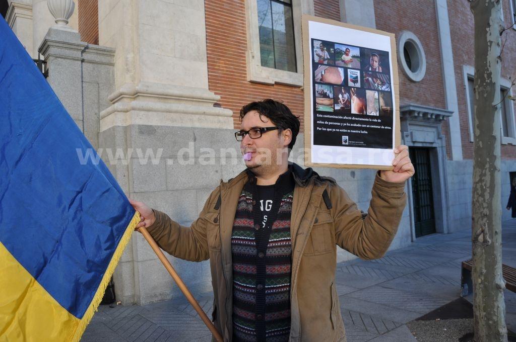 Protest Ambasada SUA Madrid solidaritate Pungesti go home Chevron 29 decembrie 2013 2