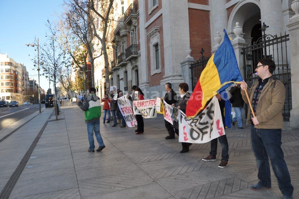Protest Ambasada SUA Madrid solidaritate Pungesti go home Chevron 29 decembrie 2013 5