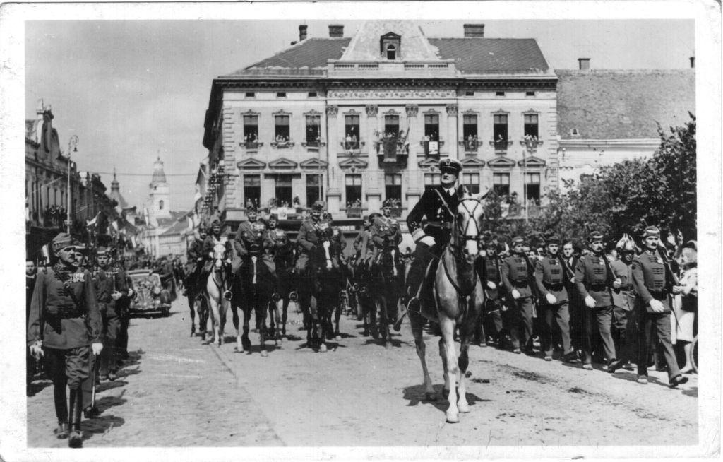 5 septembire 1940. După Dictatul de la Viena, Miklos Horthy intră în Satu Mare cu un detaşament de husari (FOTO: wikipedia.org)