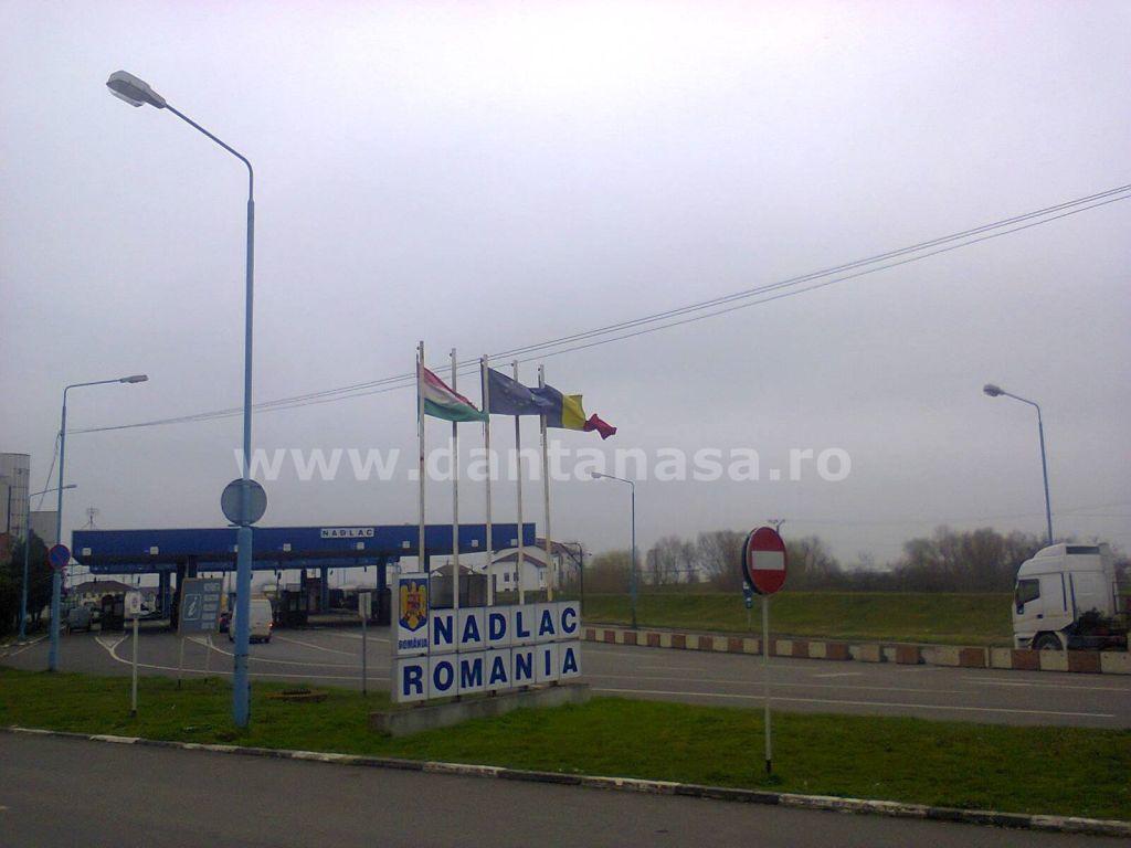 drapel Romania distrus vama nadlac