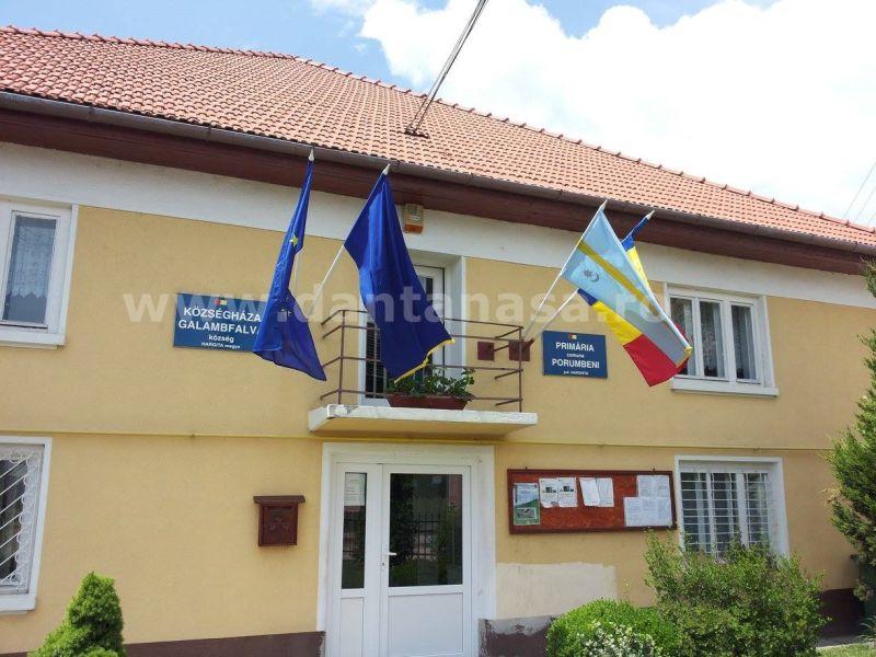 Primaria Porumbeni steag secuiesc iunie 2014