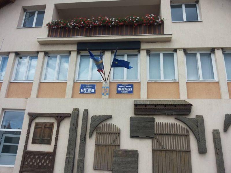 Septembrie 2014. Steagul secuiesc stă arborat pe sediul Primăriei Satu Mare