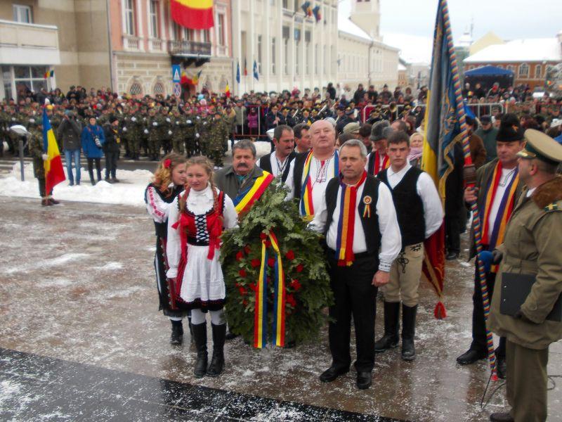 Primarul UDMR din Vălcele la manifestprile de Ziua Națională din Sfântu Gheorghe (FOTO: mesageruldecovasna.ro)