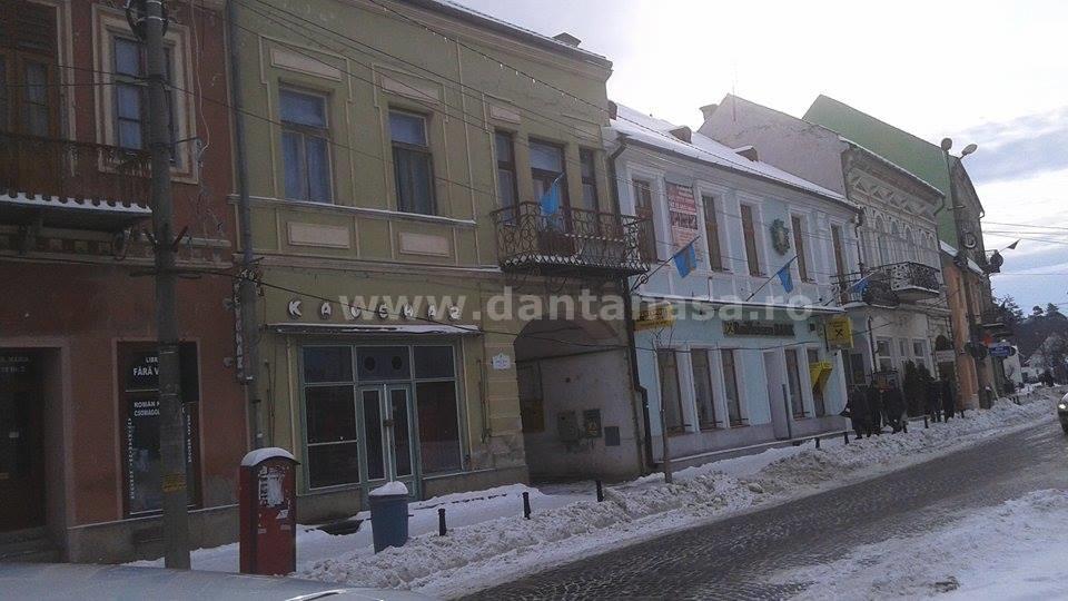 1 decembrie 2014, Târgu Secuiesc. Primarul UDMR a refuzat să arboreze drapelul României de Ziua Națională.