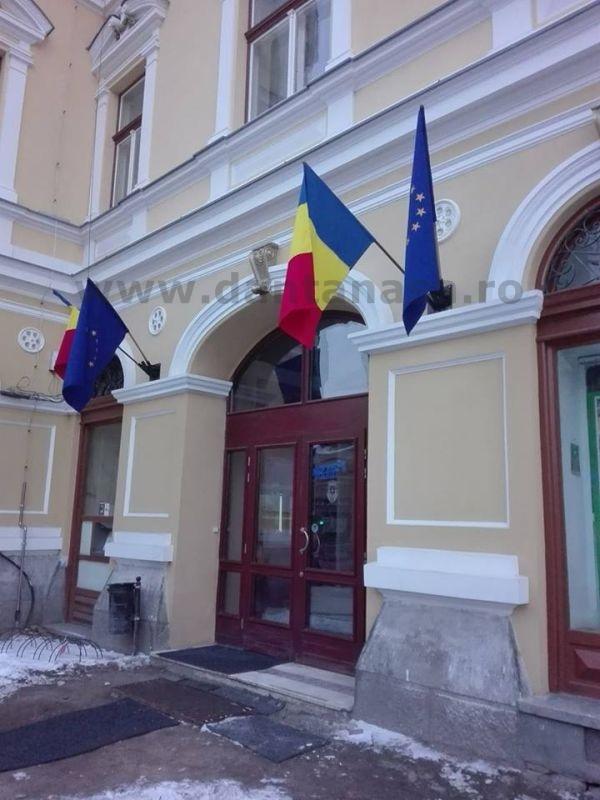24 ianuarie 2016 steag doliu indepartat primaria sf gheorghe UDMR