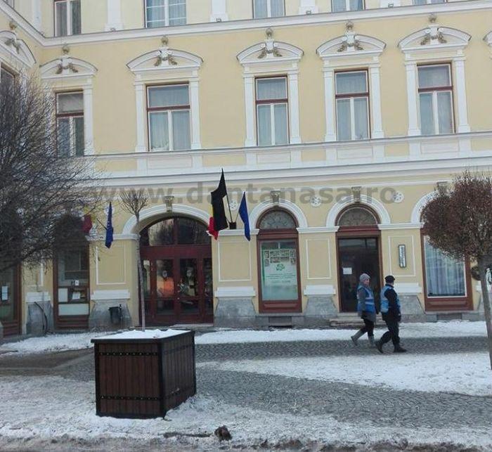 24 ianuarie 2016 steag doliu primaria sf gheorghe UDMR