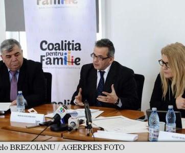 Coaliția pentru Familie a adunat 825.000 de semnături în vederea modificării Constituției