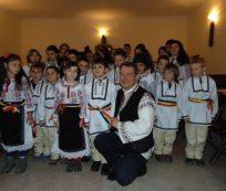 dr-mihai-tirnoveanu-la-tg-secuiesc-si-bretcu-costume-populare-copii